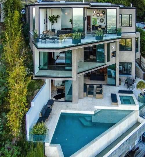 5億円の大豪邸を購入した海外のYouTuberってご存知ですか?